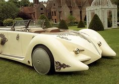 carsthatnevermadeit: Captain Nemo's Nautilus Car from The League of Extraordinary Gentlemen is to be sold by auctioneers Coys at their Blenheim Palace auction on 11 July. The vehicle started life as a Land Rover fire tender, adapted via a steel frame with the addition of a Rover V8 engine