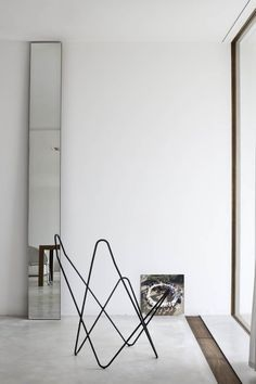 Guarantee you have access to the best mirror inspirations to decorate your next interior design project - What kind of mirror do you need? Big? Small? Geometric? Find it at http://www.maisonvalentina.net/