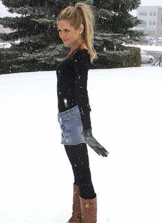 Fashion Barefoot Blonde by Amber Fillerup Clark