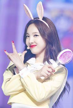 나연 ( Nayeon ) - Twice Kpop Girl Groups, Korean Girl Groups, Kpop Girls, Extended Play, Twice K Pop, Twice Korean, Twice Once, Nayeon Twice, Dahyun