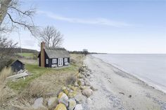 Holiday home Westmön Rytsebækvej 37 4780 Stege Beach Cottage Style, Beach Shack, Garden Pool, Indoor Garden, Beach Cottages, Holiday Destinations, Places To See, The Good Place, Beautiful Places