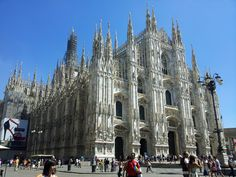 Day In Milan : Giuseppe Zanotti And Tosca Blu