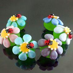 PIKALDA=handmade lampwork 6 glass beads flower blossom bug=COLORFUL BLOOM=SRA #Pikalda #Lampwork