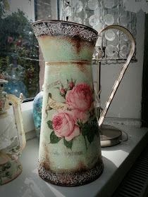 Inspiracje z duszą DecoupageArt: Dzbanek czy konewka? Flea Market Crafts, Painted Milk Cans, Floating Tea Cup, Old Milk Cans, Coffee Flower, Bohemian House, Recycled Bottles, White Vases, Bottles And Jars