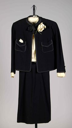 """House of Chanel wool and silk two-piece suit, circa Designer: Gabrielle """"Coco"""" Chanel Coco Fashion, Chanel Fashion, 1960s Fashion, Vintage Fashion, Chanel Chanel, Chanel Bags, Chanel Handbags, Chanel Outfit, Chanel Dress"""
