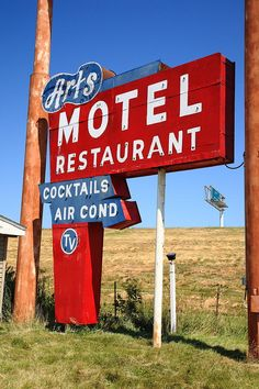 Route 66 - Art's Motel Photograph by Frank Romeo