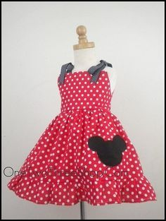 I really wish I knew how to sew so I can make this for Brianna for our Disney trip!!