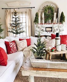This year I am absolutely loving the farmhouse style Christmas decor. It looks fantastic, but it's not too over the top which I love. I love how simple and effortless the rustic farmhouse Christmas theme looks in any home. Christmas Living Rooms, Christmas Room, Noel Christmas, Merry Little Christmas, Green Christmas, Vintage Christmas, Christmas Crafts, Xmas, Christmas Design