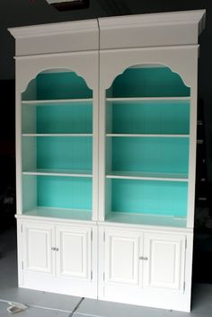 love this bookshelf idea! a great way to use leftover paint and add a pop of color to any room! love this turquoise/aqua color!