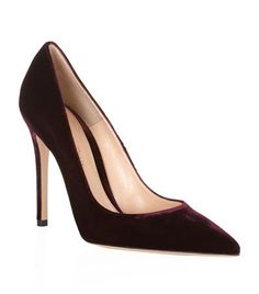 GIANVITO ROSSI Bari Velvet Court. #gianvitorossi #shoes #