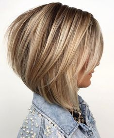 60 Layered Bob Styles: Modern Haircuts with Layers for Any Occasion Bronde Bob with Long Feathered Layers Medium Hair Styles, Curly Hair Styles, Layered Bob Hairstyles, Women's Medium Hairstyles, Hairstyles Haircuts, Stacked Bob Haircuts, Bob Hairstyles For Thick Hair, Spring Hairstyles, Party Hairstyles
