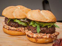 Croque monsieur with mushrooms - Recipe Guide Hamburger Hotdogs, Hamburger Ideas, Sandwiches, Sliced Ham, Good Food, Yummy Food, Mushroom Recipes, Salmon Burgers, Food Print