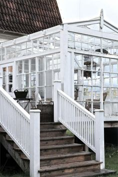 Greenhouse room made from recycled windows on deck Outdoor Rooms, Outdoor Living, What Is A Conservatory, Conservatory Ideas, Diy Greenhouse, Homemade Greenhouse, Glass House, Cabana, My Dream Home