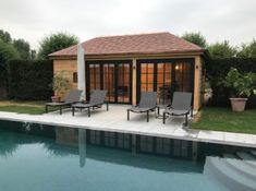 Poolhouse classique Garden-Watcher Pool Houses, Garages, Outdoor Decor, Modern, Home Decor, Gardens, Garden Office, Shed Houses, Lush