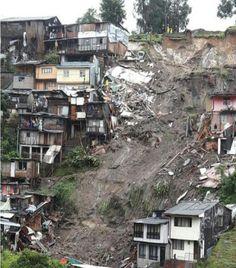 Santos Calderón informó también que fueron evacuadas cerca de 400 personas que están ubicadas en lugares de alto riesgo de la ciudad de manizales