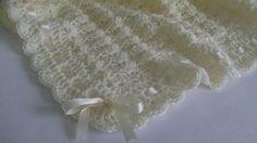 Crochet Baby Blanket / Afghan Handmade por HandmadeByHallien