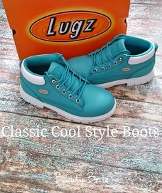 Classic Cool Style Boots @Lugz #fashion #shoes #boots #fashionblogger #fblogger