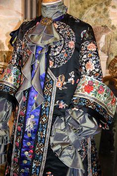 Costume fine 1600 d'ispirazione cinese, by Scatola Magica