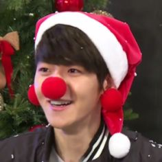 Exo Icons, Aesthetic Hoodie, Christmas Icons, Reaction Pictures, Baekhyun, Elf On The Shelf, Holiday Decor, Main Squeeze, Nayeon