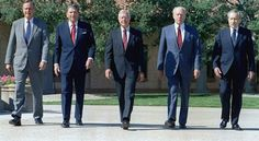 President George H. Bush (left) walks with former Presidents Ronald Reagan, Jimmy Carter, Gerald Ford and Richard Nixon in the courtyard of the Ronald Reagan Presidential Library on Nov. in Simi Valley, Calif. Presidential History, Presidential Libraries, Presidents Wives, American Presidents, Us History, American History, History Facts, Black History, Reagan Library