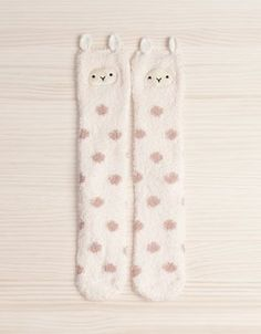 Ok I need to get me a pair of these! v 2019 Fuzzy Llama stockings? Ok I need to get me a pair of these! v The post Fuzzy Llama stockings? Ok I need to get me a pair of these! v 2019 appeared first on Socks Diy. Alpacas, Cute Socks, My Socks, Fleece Socks, Warm Socks, Llama Socks, Llama Llama, Funny Llama, Kawaii Love