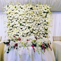 Buen Gusto Flowers at California Flower Mall Sweetheart table floral wall backdrop & table runner. Winter Wedding Flowers, Wall Backdrops, Sweetheart Table, Floral Wall, Table Runners, Mall, Floral Wreath, California, Wreaths