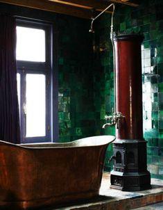 The Old World Appeal Of Copper Bathtubs - decoration,wood,wood working,furniture,decorating Old World Kitchens, Copper Tub, Bathtub Decor, Victorian Bathroom, Bathtub Remodel, Dream Bath, Dark Interiors, Traditional Decor, Beautiful Bathrooms