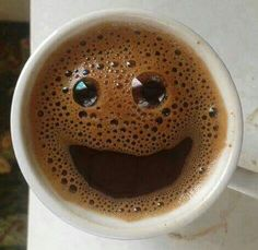 Yayınlardaki fotoğraflar Happy Coffee, Coffee Milk, Coffee Latte, I Love Coffee, Coffee Break, My Coffee, Coffee Drinks, Morning Coffee, Coffee Shop