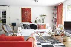 A contemporary area rug adds pop to this modern living room. 