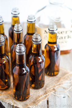 Perfect Gift! How to Make Homemade Vanilla Extract