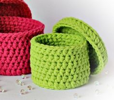 Baskets with lid Crochet Storage, Crochet Box, Crochet Basket Pattern, Love Crochet, Crochet Patterns, Crochet Baskets, Yarn Projects, Crochet Projects, Cotton Cord