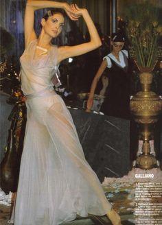 1999 - John Galliano Show