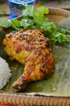 Ayam Percik (Malaysian Flame Grilled Chicken) recipe Ayam Percik or Malaysian Flame Grilled Chicken is Malaysian traditional barbecued spiced chicken. Indian Food Recipes, Asian Recipes, Beef Recipes, Cooking Recipes, Indonesian Recipes, Asian Desserts, Indonesian Food, Fish Recipes, Malaysian Cuisine