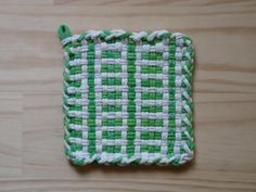 Green and White Vintage Pattern Woven Cotton Loop Loom Potholder Colorful Kitchen Farmhouse Style
