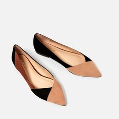 Fendi tastes on a Zara budget? We've rounded up eight un-boring Zara shoes you can buy right now — along with their designer doppelgängers. Fancy Shoes, Pretty Shoes, Beautiful Shoes, Cute Shoes, Me Too Shoes, Flat Shoes, Oxford Shoes, Office Shoes, Ballerina Shoes