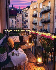 Variety of balcony design Vielzahl von Balkon-Design Small Balcony Decor, Small Balcony Design, Tiny Balcony, Balcony Garden, Apartment Balcony Decorating, Apartment Balconies, City Apartment Decor, Balcony Lighting, Bedroom Balcony