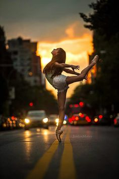 42 Ideas for sport photography ideas dancers 42 Ideas for sport photography ideas dancers,Dance Photography 42 Ideas for sport photography ideas dancers Related posts:Bullet Journeling - Tik tok videosDie besten lustigen Bilder. Dance Picture Poses, Dance Photo Shoot, Dance Poses, Dance Pictures, Dance Photoshoot Ideas, Ballerina Photography, Dance Photography Poses, Sport Photography, Photography Ideas