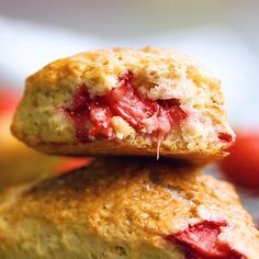 Strawberry Desserts Discover These Strawberry Scones are loaded with fresh juicy berries and a hint of lemon zest. Theyre simple to make and a classic breakfast or light treat for spring and summer! Strawberry Scones, Strawberry Recipes, Breakfast Recipes, Dessert Recipes, Cheesecake Recipes, Tasty Videos, Sweet Recipes, Baking Recipes, Easy Meals