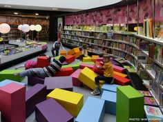 LIbrary design, Kids Library Design Ideas With Colorful Large Playing Spaces: Children library design decorating ideas with playing spaces