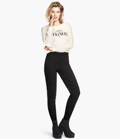 H&M Pantalón en tejido elástico 9,99 €