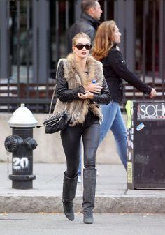 Rosie Huntington-Whiteley, Girl of the Moment - fashionDrip
