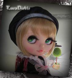 OOAK-208-Custom-Blythe-School-Girl-by-LucaDickie