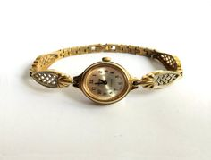 Soviet watch Women's watch Watch Gold Awesome Gold vintage watch made in Gold Vintage Watch Mechanical Armani Watches For Men, Luxury Watches, Rolex Watches, Antique Watches, Vintage Watches, Art Deco Watch, Skeleton Watches, Vintage Fur, Gold Watch