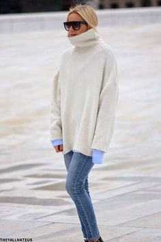 Roll neck sweater with skinny jeans