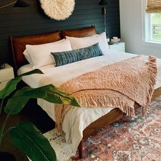 25 Cozy Bedroom Decor Ideas that Add Style & Flair to Your Home - The Trending House Bedroom Green, Cozy Bedroom, Bedroom Sets, Bedding Sets, West Elm Bedroom, Dark Bedroom Walls, West Elm Bedding, Bedroom Layouts, Quilt Bedding