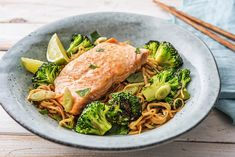 We combine our favourite lemon-ginger flavours in this Salmon dish tonight. Tender-crisp brocolli and tasty wonton noofle salad make this a wholesome meal! Salmon Packets, Salmon Dishes, How To Make Salad, Salmon Recipes, Dinner Tonight, Dinner Recipes, Lime, Tasty, Healthy Recipes