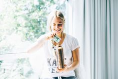 Please check out this truly amazing and inspiring story from Jordan Younger, otherwise known as The Balanced Blondie - from her struggle with orthorexia to finding a new balanced approach to health and wellness!  She is the author of Breaking Vegan (must read!) and recently became a big fan of #GETOFFYOURACID and the AlkaMind lifestyle!  Check out her awesome story as she finds an acid-free life...  Dr. Daryl Gioffre #AlkaMind #GetOffYourAcid