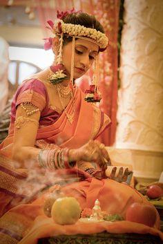 Indian bride wearing bridal saree sari and jewelry. Marathi Bride, Marathi Wedding, India Wedding, Desi Wedding, Wedding Bride, South Asian Bride, South Asian Wedding, Beautiful Indian Brides, Beautiful Bride