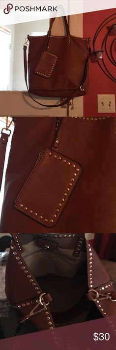 Street level stitch Fix brown purse Super cute brown purse! Has gold details. Can be used as a crossbody with long strap or as a shoulder bag with shorter straps. Lots of room inside! street level Bags Shoulder Bags