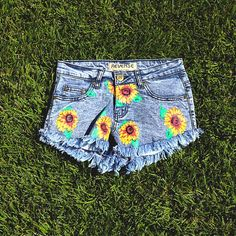 Seriously cool sunflower shorts from #reverse.